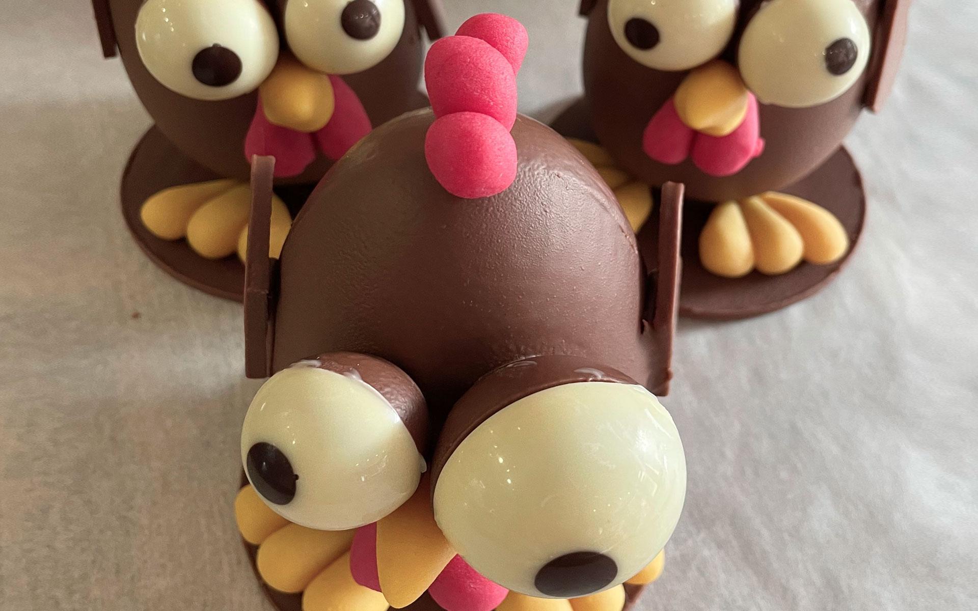 Poules en chocolat pas cônes pour Pâques